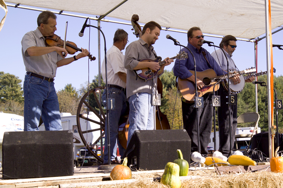 Middle Granville Bluegrass Festival, NY ~ Dan Paisley & the Southern Grass ~ 2006 ~ CP063033 ~ Richard Clayton Photography ~ Cambridge Photo